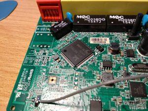 На плате H118N видны UART контакты RX, TX, GND, 3.3V
